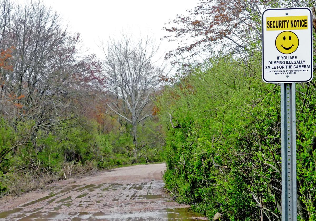 050119 WES New access path to Pawcatuck River 172.JPG