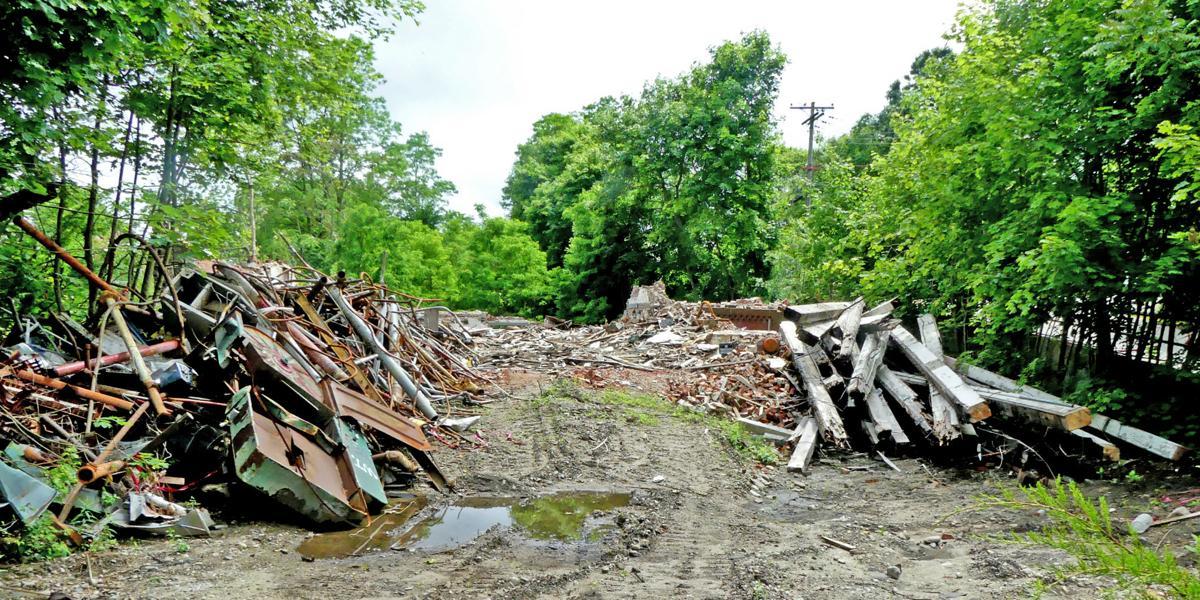 061919 STN Casting Mill site rubble 179.JPG