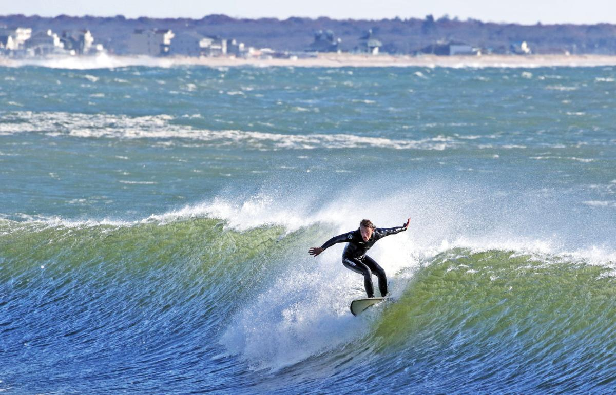 110119 WES Surfing WH Light 84.JPG