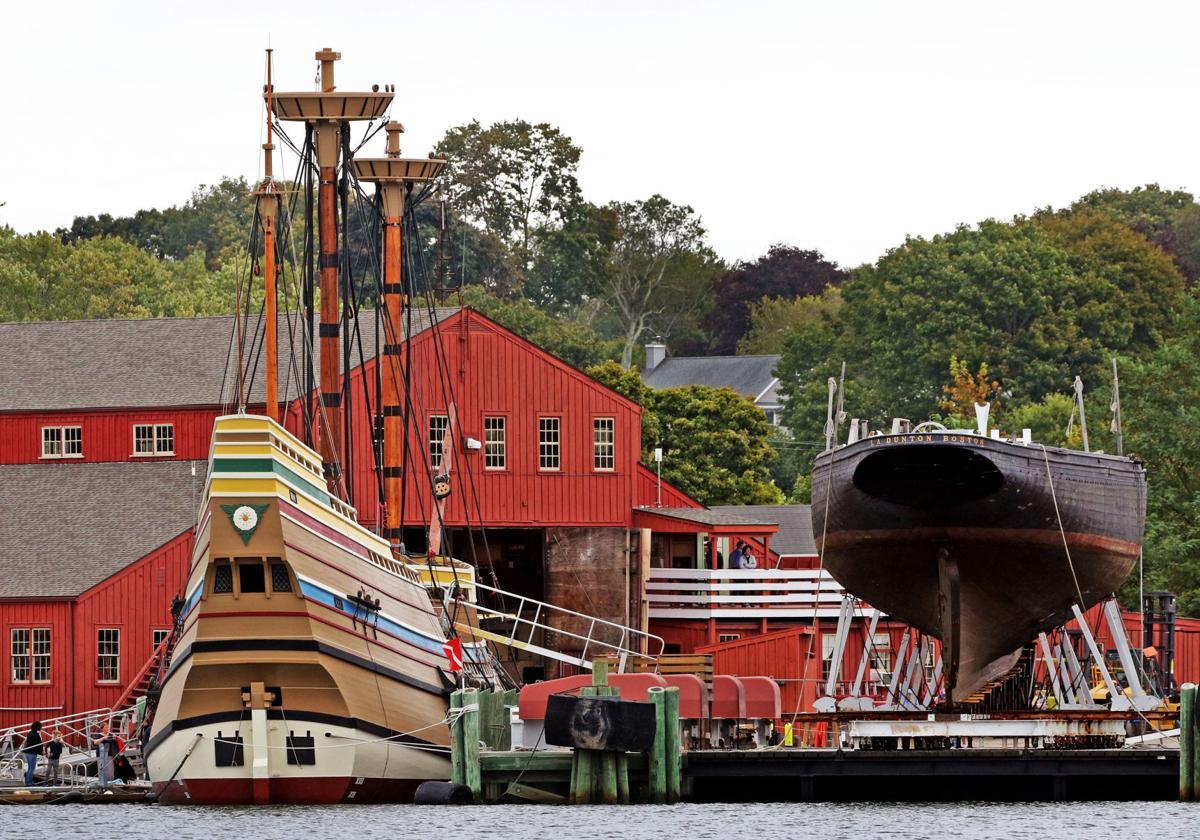 100119 MYS Masts on Mayflower II 968.JPG