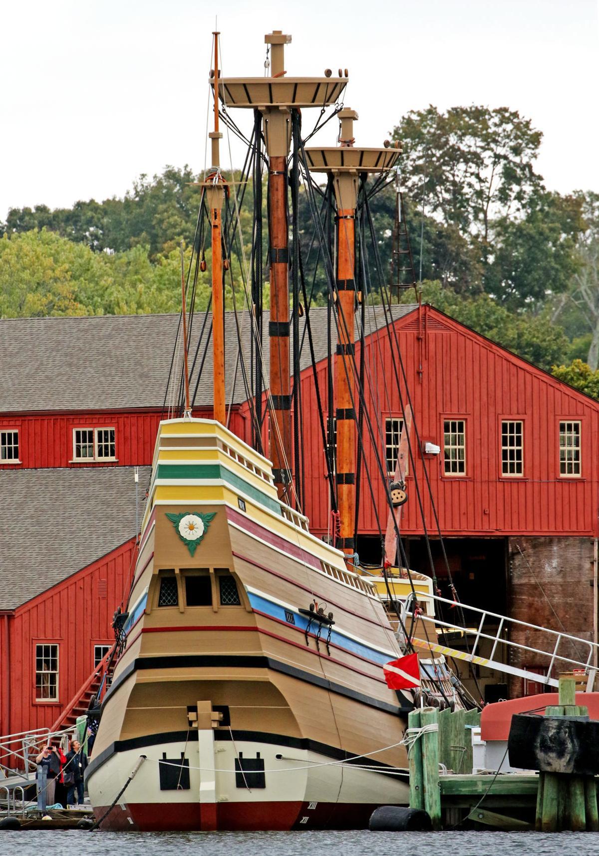 100119 MYS Masts on Mayflower II 969.JPG