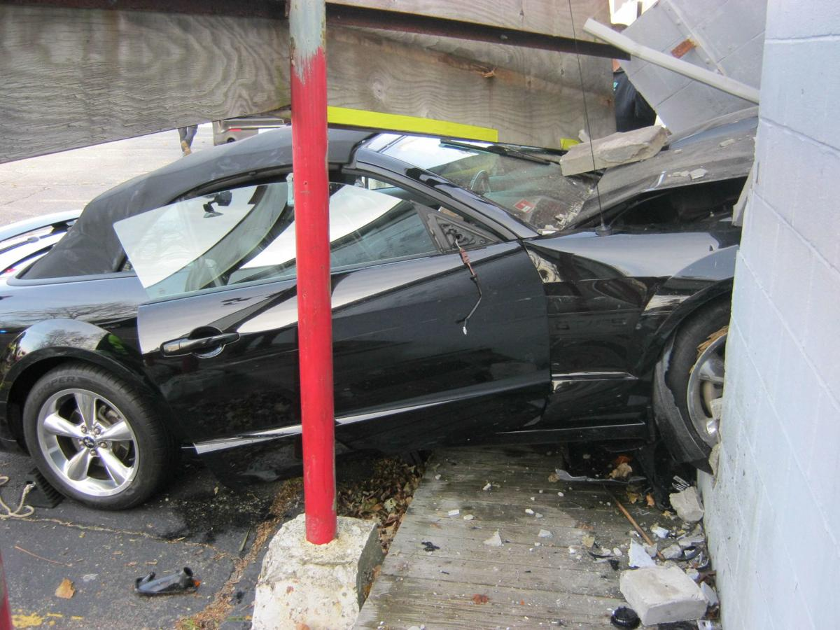 112719 POL crash 2.jpg
