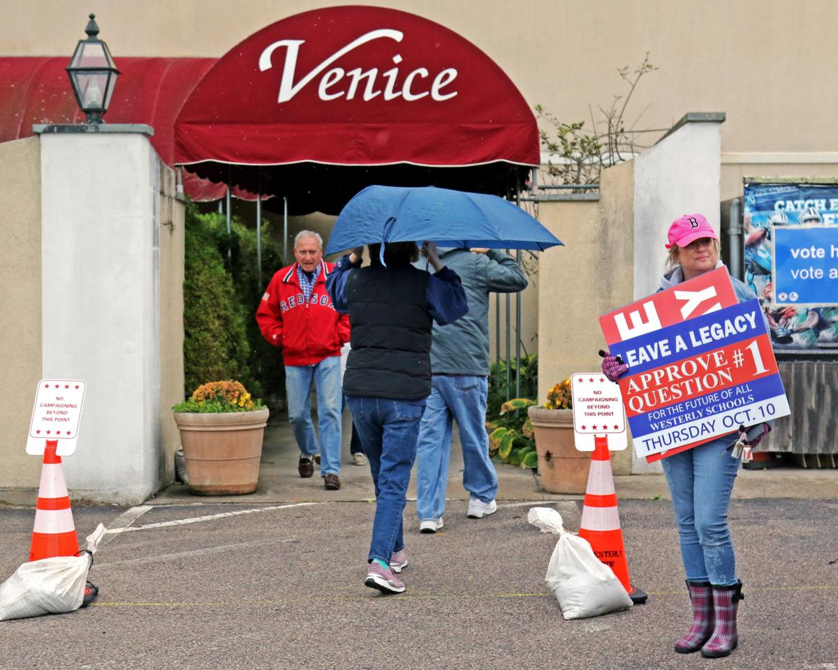 101019 WES School building vote at Venice 2459.JPG