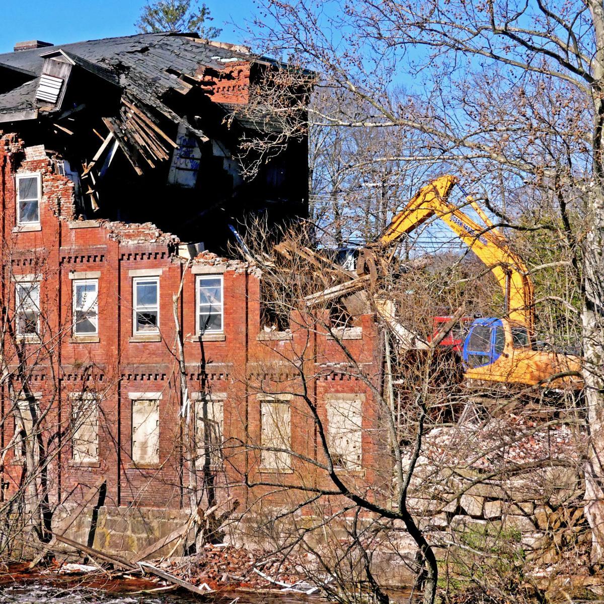 041619 PAW Old Conn Casting demolished 382.JPG