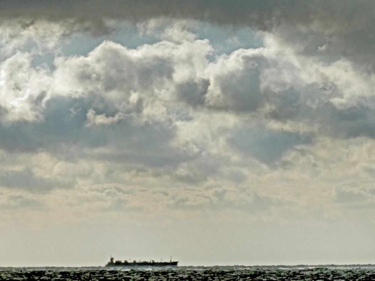 WLD Merchant ship stormy sea 22709.JPG