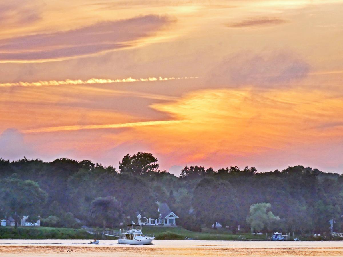 WES River sun set 25435.JPG