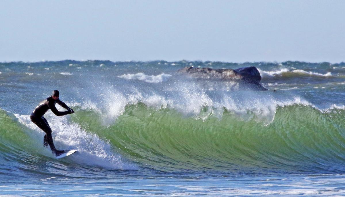 021020 WES Watch Hil erough surfing 112.JPG