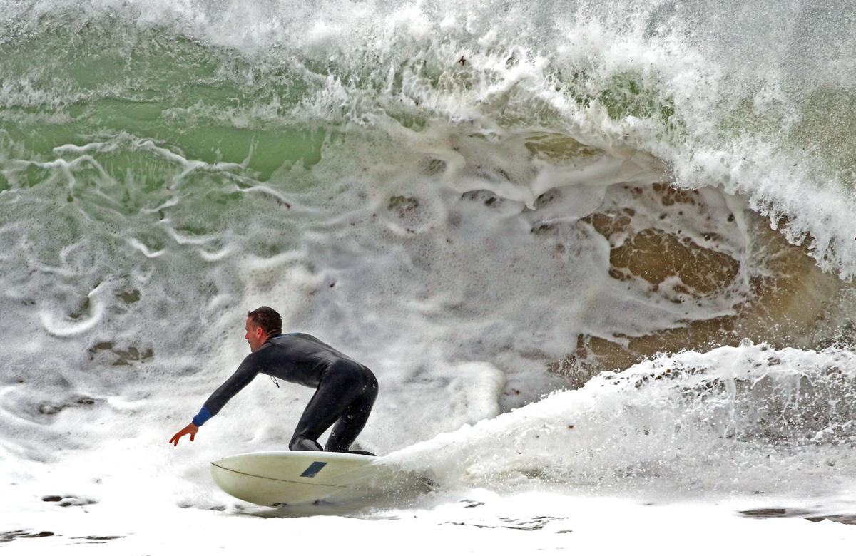 101019 WES Surfing big surf noreaster 2429.JPG