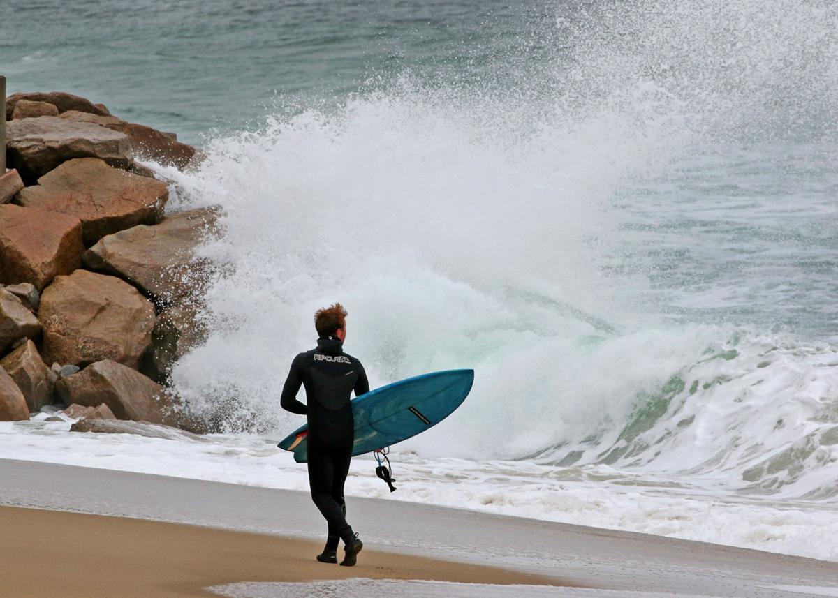 111819 WES Surfers at Town Beach break 1386.JPG