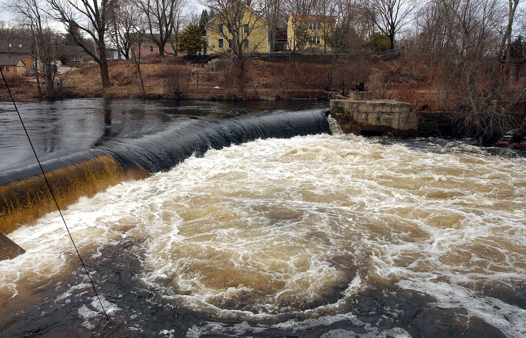 Residents call on Hopkinton council to save wells, halt Potter Hill Dam removal project