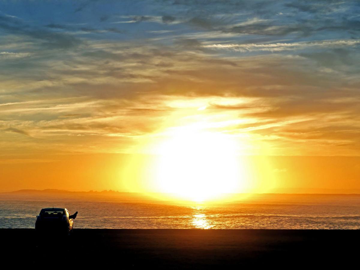 042119 WES WH Light sunset 364.JPG