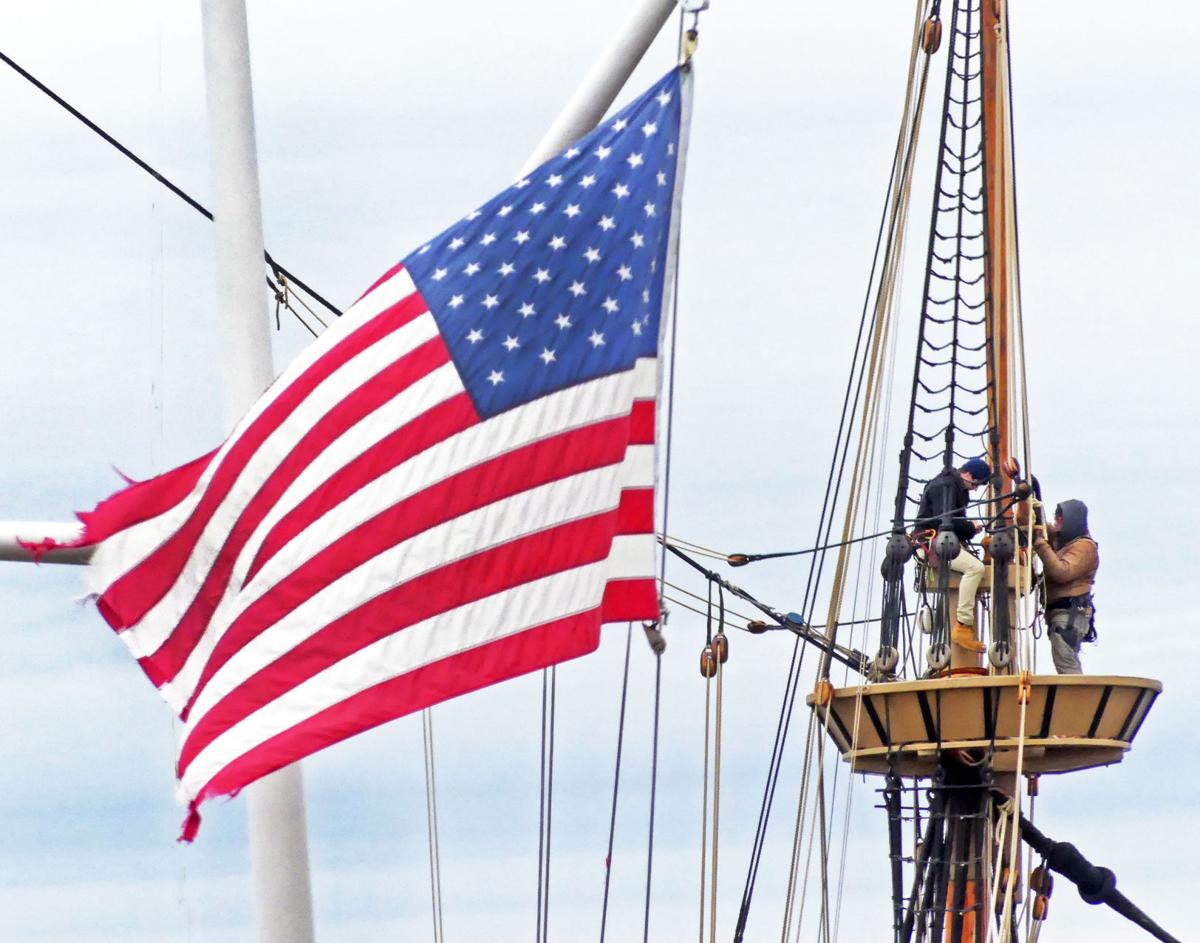 020520 MYS Flag and Mayflower crows nest Seaport 746.JPG