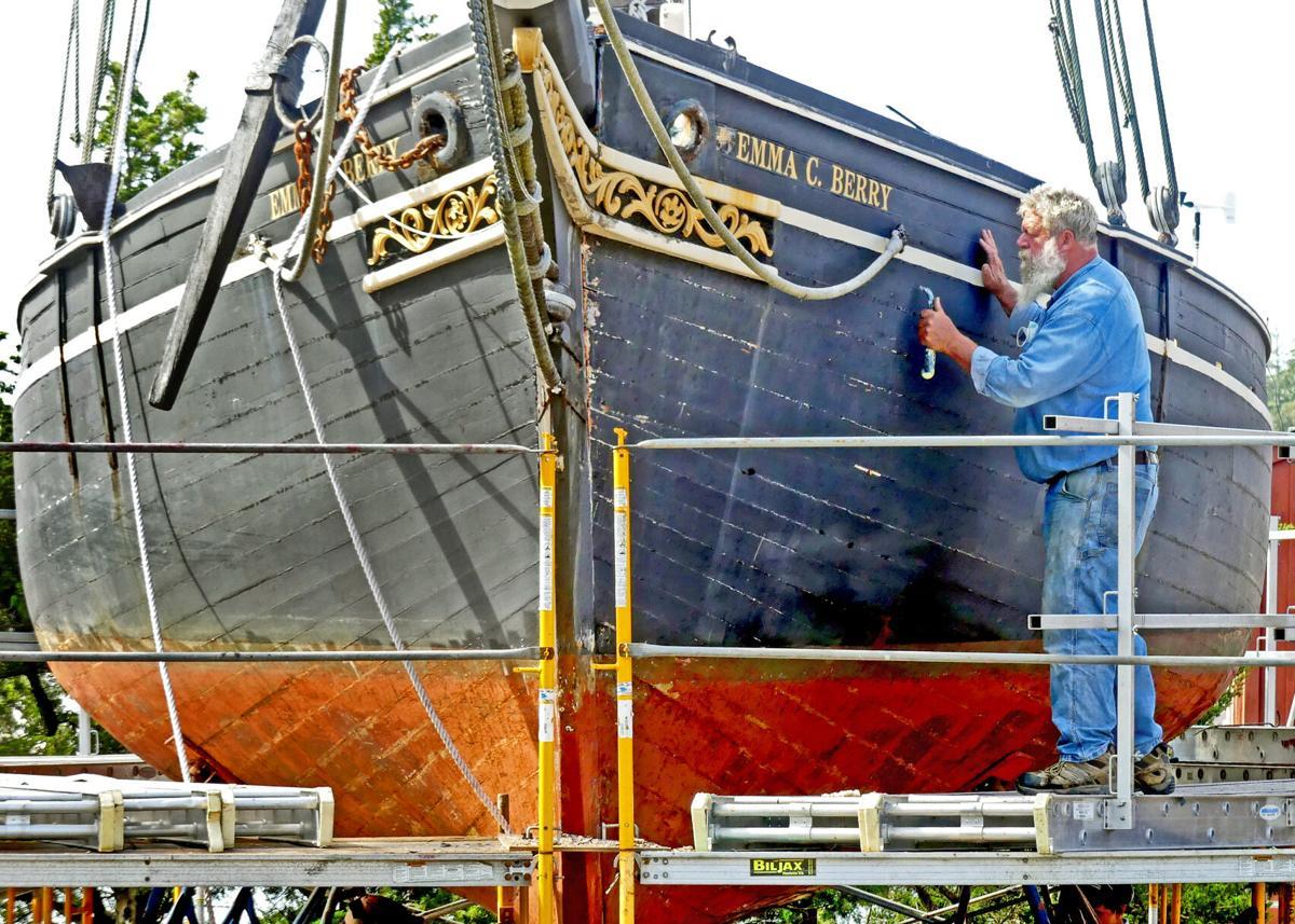 092121 MYS Shipyard work on Draken viking boat hh 84257.JPG