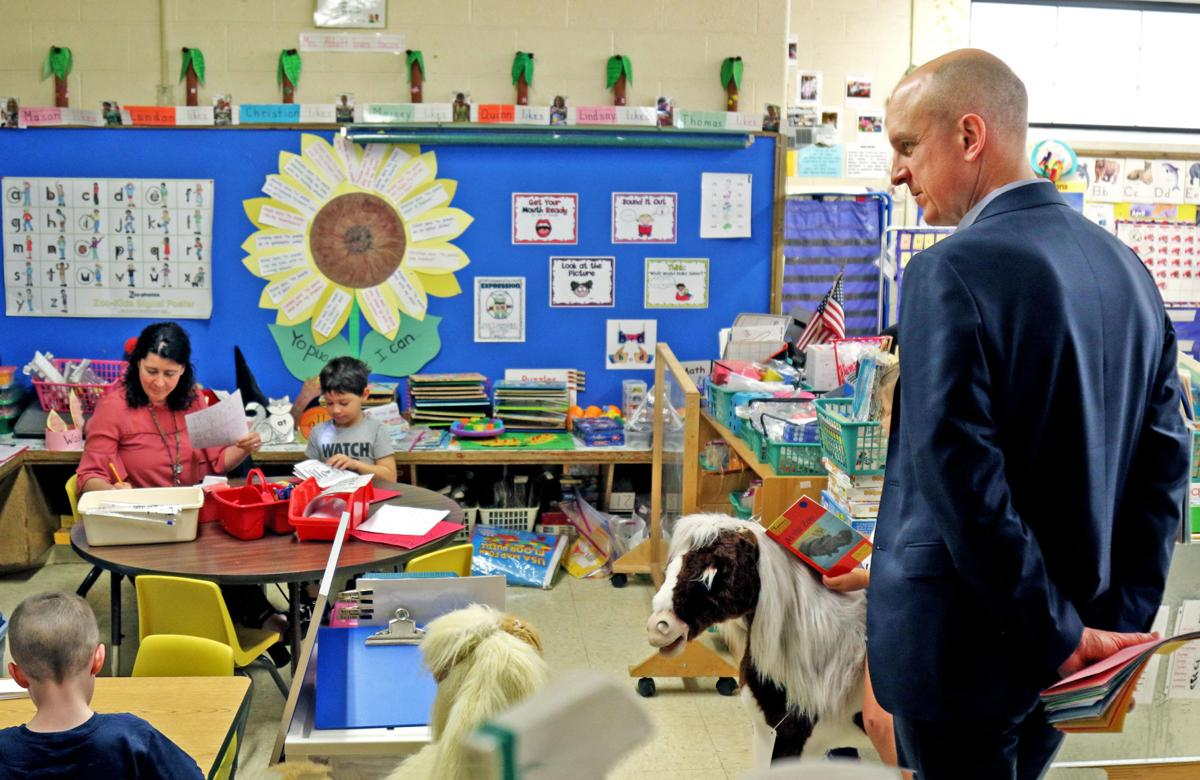 042319 HOP Ed Comm. Ken Wagner visits HV Elementary 519.JPG