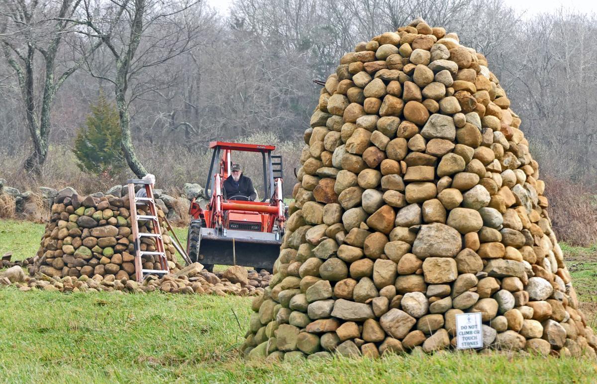 WLD Land Trust cairns 20080.JPG