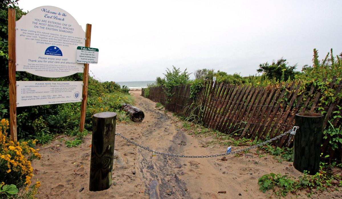 Beach access right of way 01.JPG