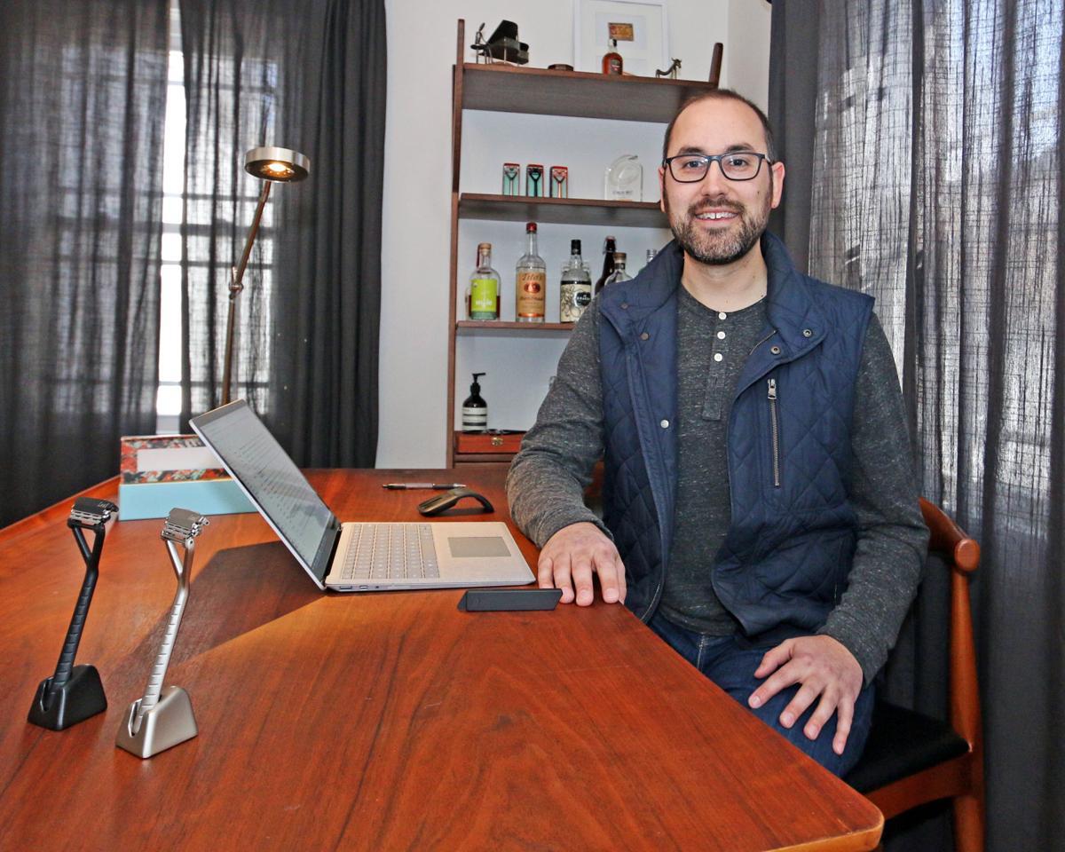 040219 EASY Chair Adam Simone 967.JPG