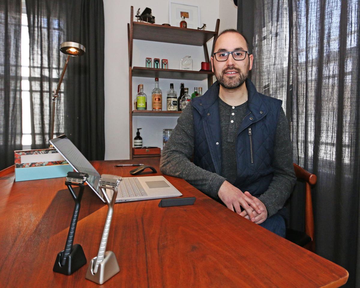 040219 EASY Chair Adam Simone 969.JPG