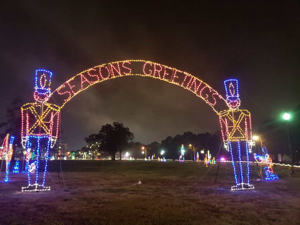 """Seasons Greetings"" to West Baton Rouge this holiday season"