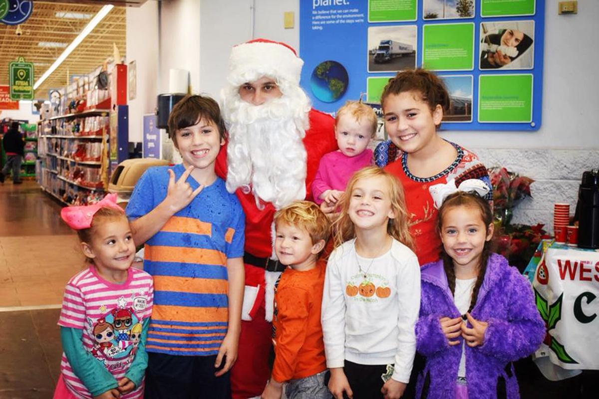 Sheriff Santa at Walmart.jpg