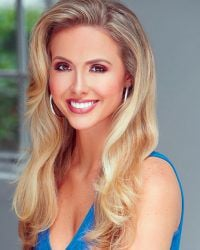 2017 Miss Alabama to emcee Christmas on the Coosa pageant