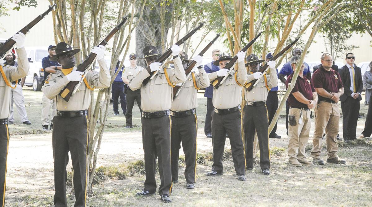 0807 K9 21 guns.jpg