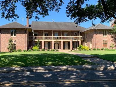 Pi Kappa Phi Fraternity House