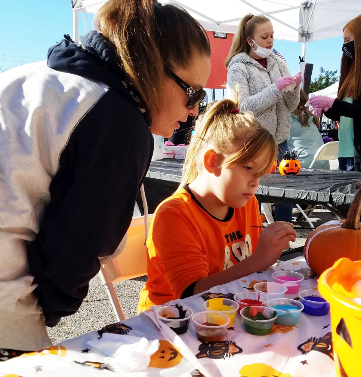 Great Pumpkinfest draws residents to downtown Bremen