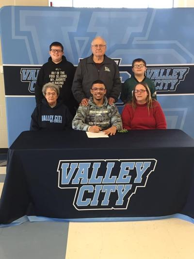 Jaden Compson Signs with VCSU