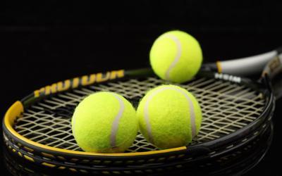 Tennis Racket/Tennis Balls