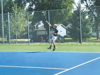 Tennis Emmett Olson