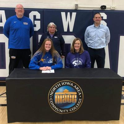Hames signs with NIACC