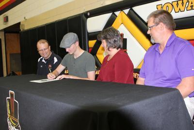 Alex Geitz Signing