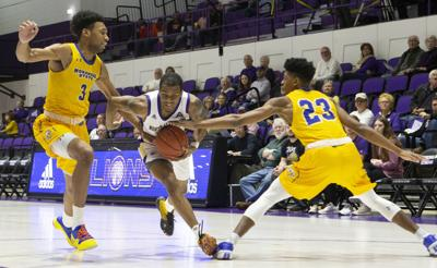 191130 Morehead State vs UNA men 13