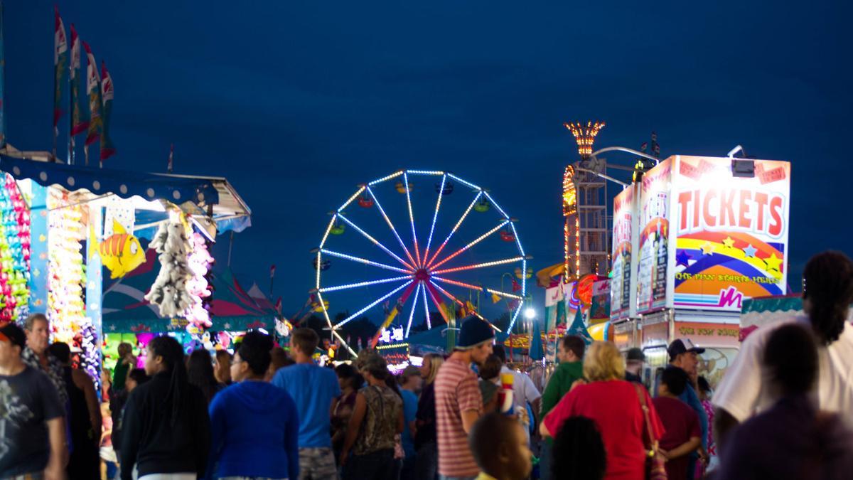 West Alabama State Fair rides light up the Tuscaloosa sky ...  |Alabama Fair Rides