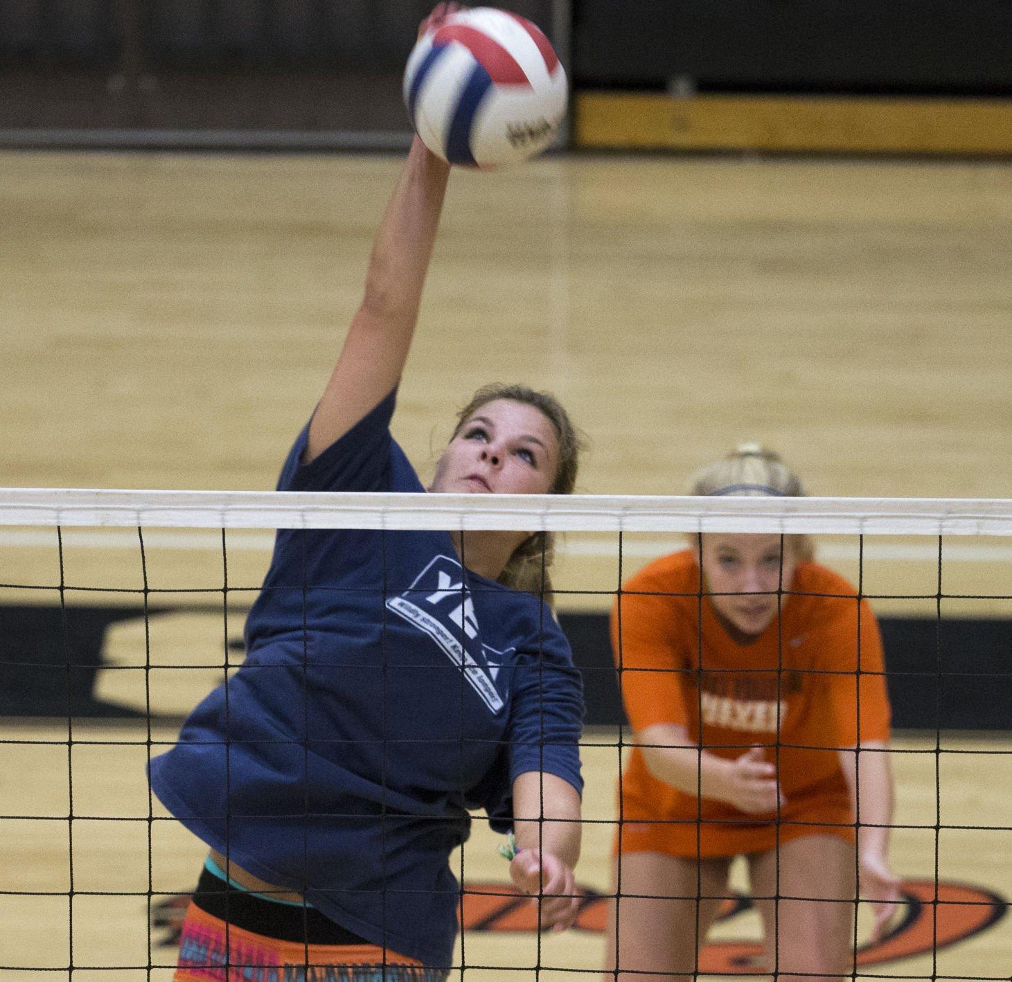 170823 Brooks Volleyball 11