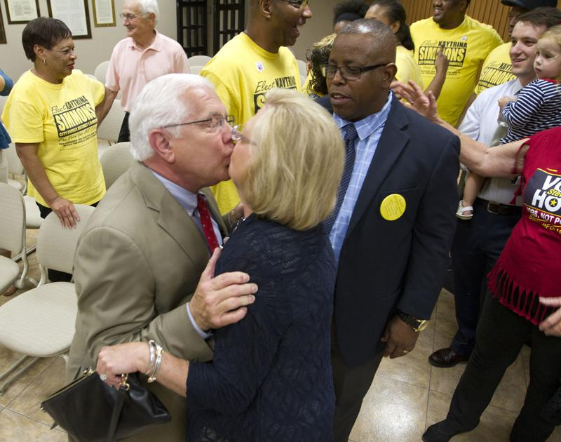 Holt wins Florence mayoral race over incumbent Haddock ...