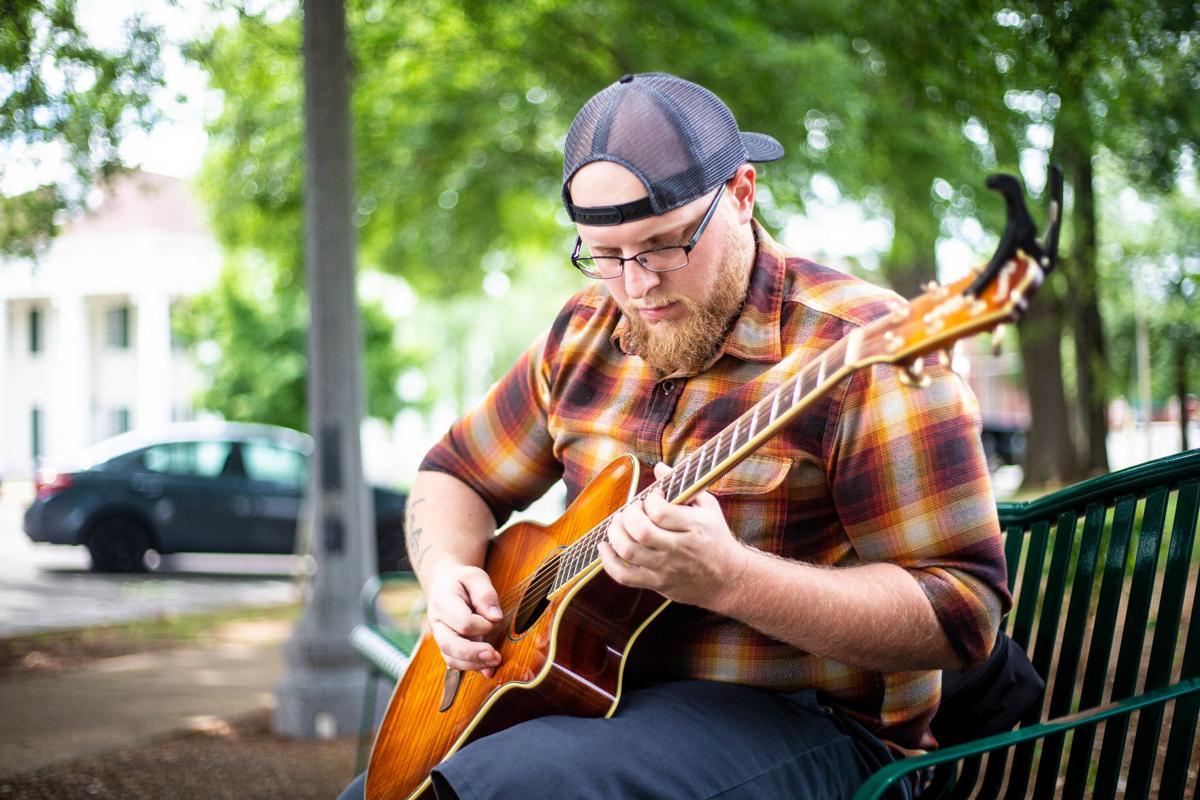 F210715 guitarist a2