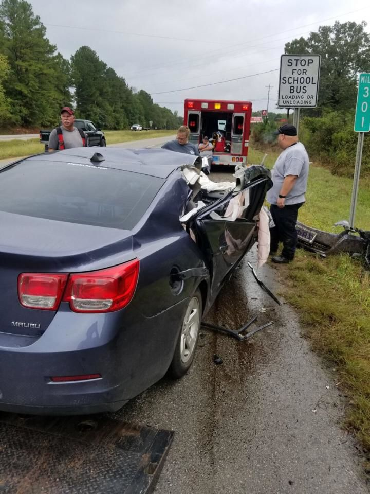 Two killed in Thursday morning wreck | Local News