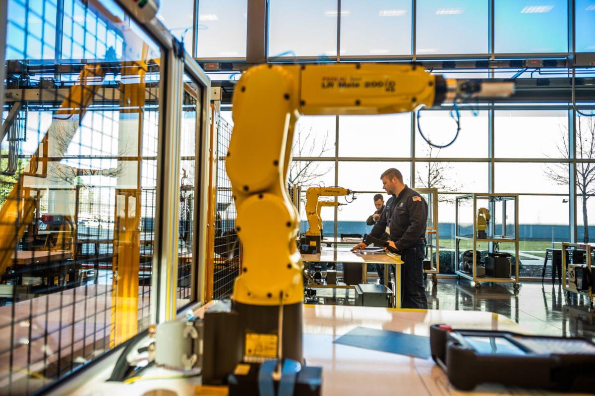 D200108 robotics mazda