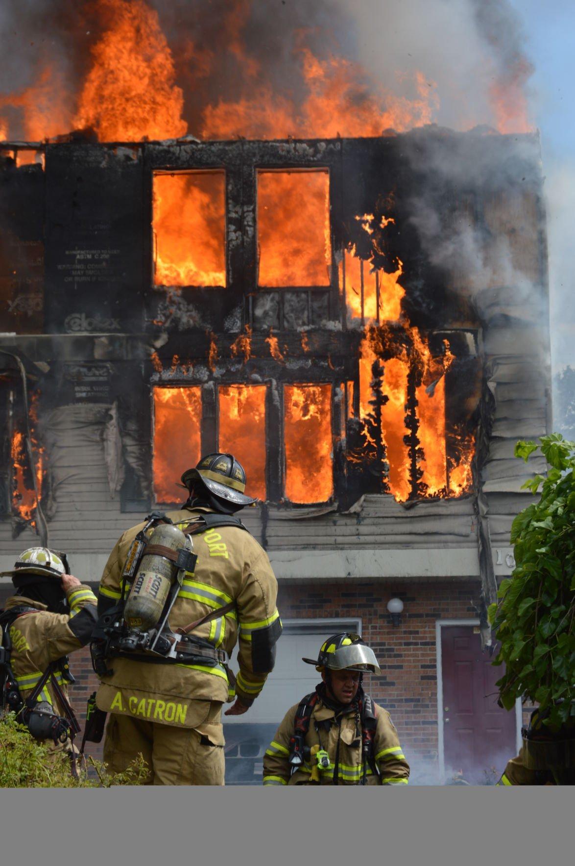 Update: 12 displaced by Kingsport blaze, pets killed