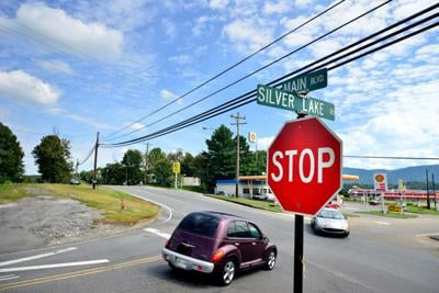 Study says Church Hill's Silver Lake and Main intersection should stay two-way