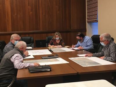 "Sullivan officials discuss ""driveway"" to West Ridge"