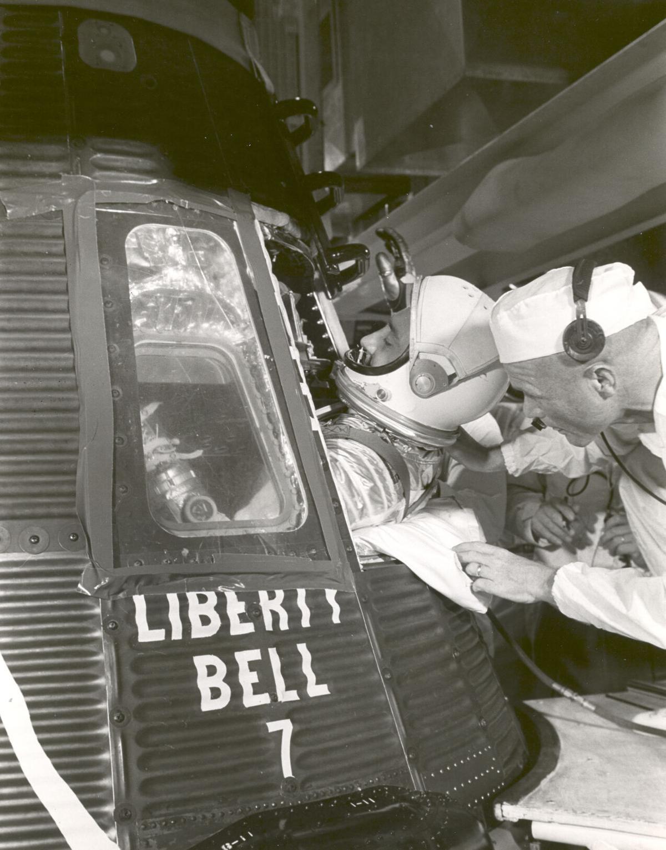 Grissom climbs into Liberty Bell 7 a