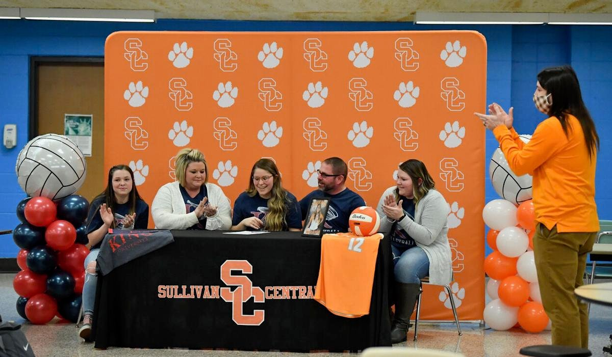 Central's Haley Wilson Signs with King