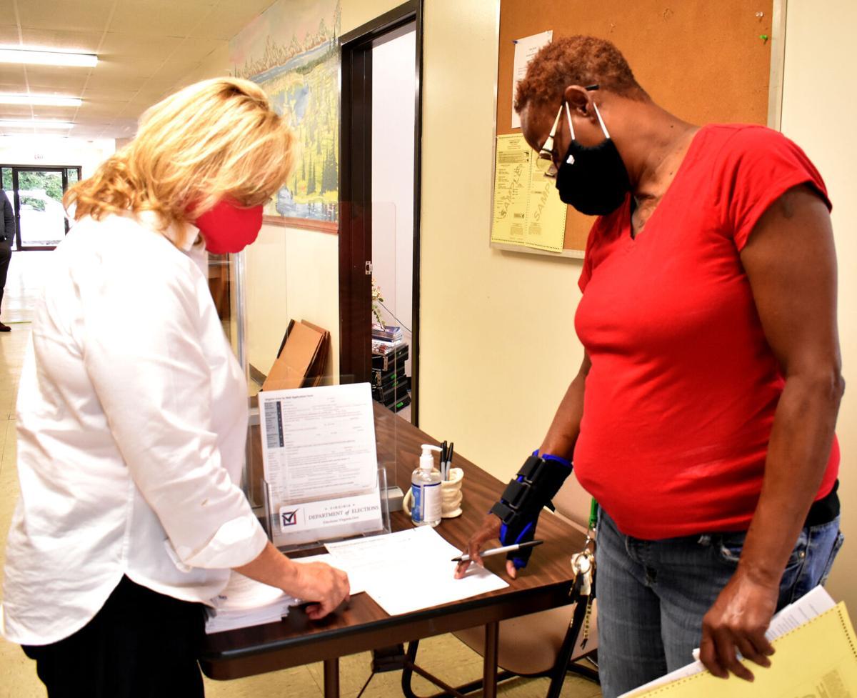 Virginia early voting - registering