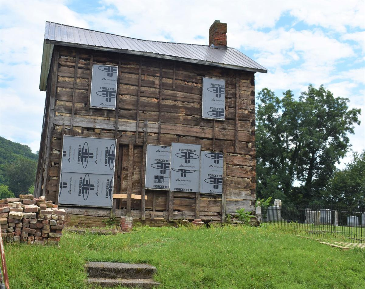 Original logs now exposed to help study of 1790s Rogersville building