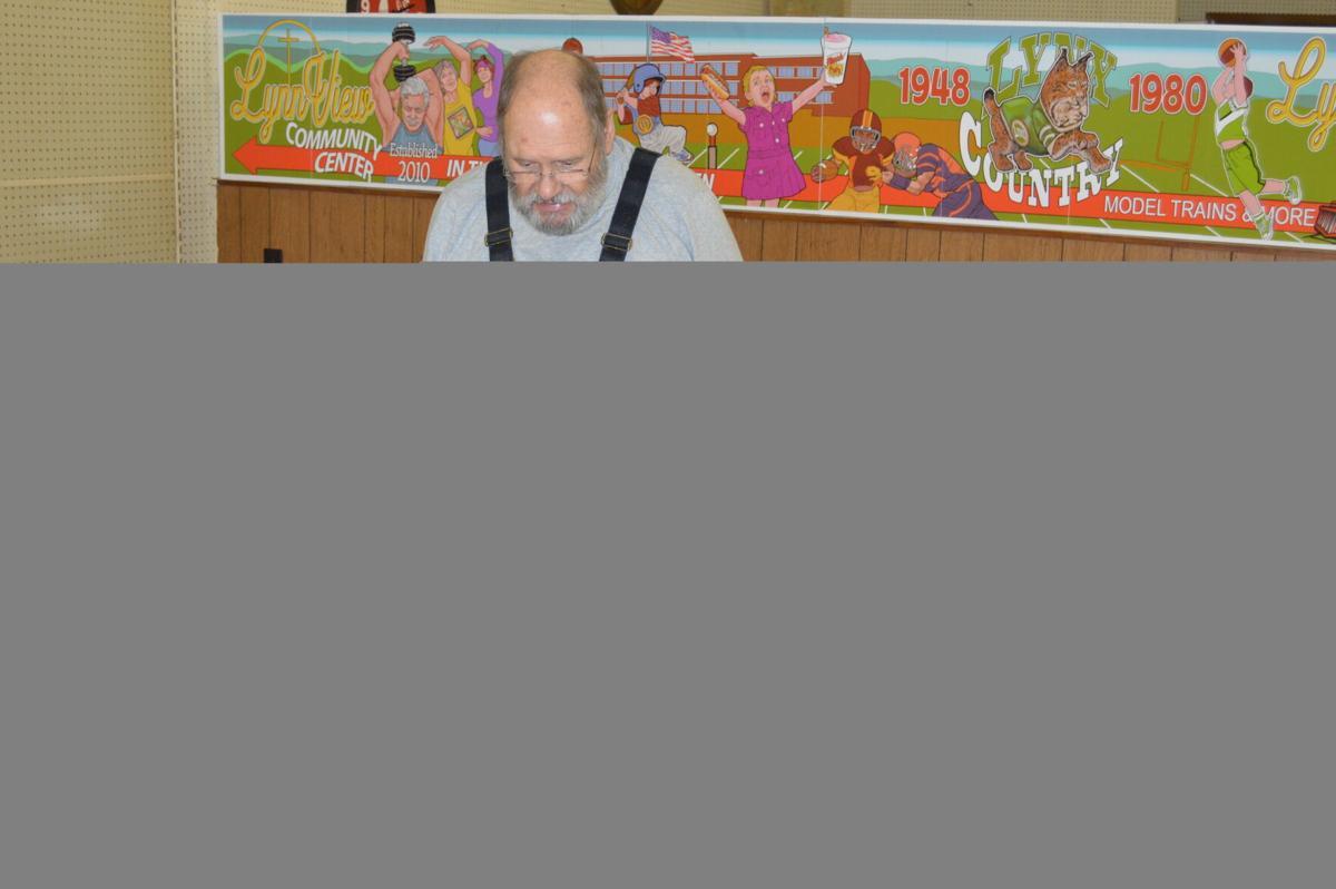 New mural to guide folks to 'heart of Lynn Garden'