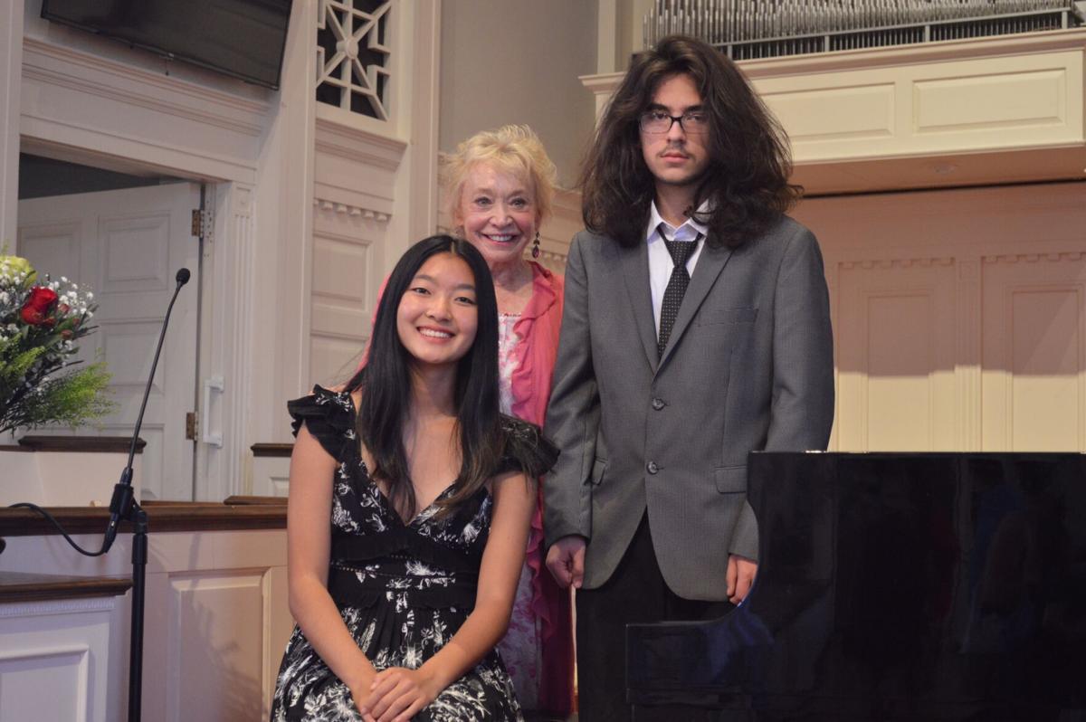 Carol Stone honors graduating students