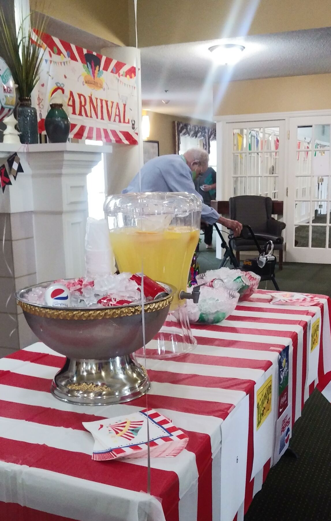 Elmcroft of Kingsport Brings Carnival to Residents